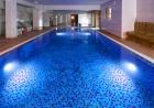 Великден в Казанлък с топла минерална вода. 2 или 3 нощувки на човек със закуски + басейн и релакс център в Комплекс Зорница, снимка 4