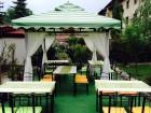 Нощувка за 2, 3 или 5 човека + механа-ресторант с лятна градина в Чалина къща в Банско, снимка 3