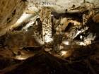Еднодневна автобусна екскурзия до Белоградчишките скали, крепостта Калето и пещерата Магурата през април на ТОП цена от ТА Поход, снимка 3