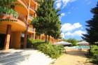 Нощувка на човек на база All Inclusive + басейн и собствен плаж от хотел Бона Вита, Златни пясъци., снимка 21
