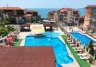 Ранни записвания за море! 2+ нощувки на база All Inclusive на човек + басейн на 50м. от плажа от хотел Корона, Свети Влас, снимка 3