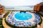 Лято на 1-ва линия в Ахелой! Нощувка със закуска за 2-ма с дете или 4-ма + басейн в хотел Марина Кейп, снимка 2