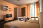 На първа линия в Приморско! Нощувка в студио, апартамент с 1 или 2 спални + басейн в хотел Престиж Сити 2, снимка 6