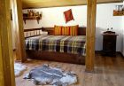 Нощувка в самостоятелна вила за до 12 човека + ГОРЕЩО външно джакузи, сауна и механа във Вила Рупцовото край Смолян, снимка 14