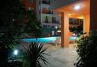 Нощувка за двама, четирима или шестима + закуска по желание + басейн от Хотел Дариус, Слънчев Бряг, снимка 20