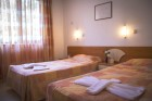 Нощувка на човек със закуска и вечеря + минерален басейн и релакс зона в хотел Делта, Огняново, снимка 10