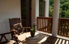 Нощувка за до 15 или 20 човека + трапезария и басейн в самостоятелна къща Почивка край Троян - с. Черни Осъм, снимка 5