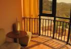 Нощувка със закуска на човек + басейн в хотел Париж***, Балчик, снимка 8
