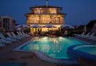 Нощувка на човек или нощувка със закуска и вечеря + басейн на 150 м. от плажа в хотел Музите, Созопол, снимка 16