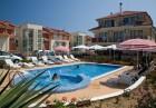 Нощувка на човек или нощувка със закуска и вечеря + басейн на 150 м. от плажа в хотел Музите, Созопол, снимка 2
