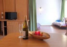 Лято в Приморско! Нощувка със закуска или със закуска и вечеря + 1 час разходка с ЯХТА от Семеен хотел Зонарита, снимка 8