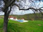 Нощувка за 4, 5 или 16 човека в единствените в България 9 абсолютно кръгли къщи край Антоново в комплекс Малка Черковна с басейн и механа, снимка 2