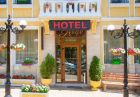 Нощувка на човек със закуска в идеалния център на Велико Търново от хотел Алегро***, снимка 2