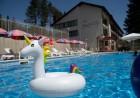 Нощувка на човек със закуска + басейн в хотел Велиста, Вонеща вода, снимка 8