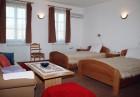 Нощувка за до 25 човека + ползване на механа и оборудвана кухня от хотел Престиж***, Арбанаси, снимка 7