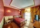 Нощувка със закуска на човек в хотелски комплекс Изрова, гр. Русе, снимка 3