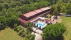 Нощувка за до 14 човека + външен басейн в Комплекс Манастирски Чифлик, до Свищов, снимка 2
