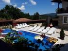 Нощувка за до 8, 10 или 18 човека + басейн и барбекю в Къщи Алекс - Елена, снимка 24