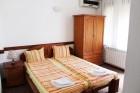 Нощувка на човек със закуска + басейн в семеен хотел М1, Приморско, снимка 6