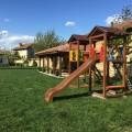 Нощувка за 12 човека + сезонен басейн, просторен двор, детски кът и барбекю в къща Край потока в Крушуна, снимка 19