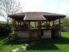 Нощувка за 12 човека + сезонен басейн, просторен двор, детски кът и барбекю в къща Край потока в Крушуна, снимка 25