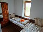Нощувка за 12 човека + сезонен басейн, просторен двор, детски кът и барбекю в къща Край потока в Крушуна, снимка 22