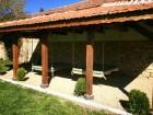 Нощувка за 12 човека + сезонен басейн, просторен двор, детски кът и барбекю в къща Край потока в Крушуна, снимка 7
