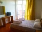 Нощувка на човек със закуска + басейн от хотел Венера, за 30м. от плажа в Приморско, снимка 5