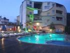 Нощувка за двама или четирима + външен басейн и джакузи с минерална вода + сауна от Детелина, Хисаря, снимка 2