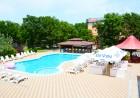 Нощувка на човек + басейн в хотел Нева, Китен, на 100м. от плаж Атлиман, снимка 8
