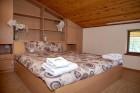 Нощувка за 6 или 8 човека във всяка от 3 уютни еднофамилни къщи Краси край язовир Батак, снимка 11