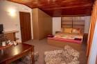 Нощувка за 6 или 8 човека във всяка от 3 уютни еднофамилни къщи Краси край язовир Батак, снимка 14