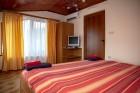 Нощувка за 6 или 8 човека във всяка от 3 уютни еднофамилни къщи Краси край язовир Батак, снимка 18