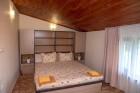 Нощувка за 6 или 8 човека във всяка от 3 уютни еднофамилни къщи Краси край язовир Батак, снимка 8