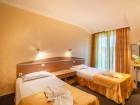 Нощувка на човек със закуска или закуска и вечеря от хотел Зевс, Поморие, снимка 5