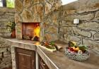 Наем на луксозна къща за до 16 човека + барбекю от Къща Чудна, село Бресте, Червен бряг, снимка 14