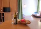 Лято в Приморско! Нощувка със закуска + 1 час разходка с ЯХТА от Семеен хотел Зонарита, снимка 8