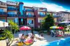 Лято в Созопол на 50м. от плажа! Нощувка със закуска + басейн в хотел Съни***, снимка 4