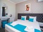 Късно лято на брега на морето в Лозенец! Нощувка в хотел Оазис дел Сол на първа линия, плаж Оазис Бийч, снимка 7