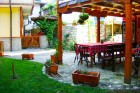 Делник в Копривщица. Нощувка на човек със закуска и вечеря + басейн само за 32.90 в Тодорини къщи, снимка 5