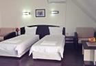 Нощувка на човек със закуска и вечеря + външен басйен от хотел Енчеви, с. Кирково!, снимка 6
