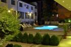 Нощувка на човек със закуска и вечеря + басейн в Апартаменти Голдън Хаус, Златни пясъци, снимка 15