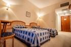 Нощувка на човек със закуска или закуска и вечеря + басейн в хотел Лилия****,  Златни пясъци, снимка 21