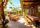 2 или 3 нощувки на човек със закуски + басейн в хотел Копакабана, на 50м. от плажа в Равда, снимка 4