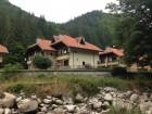 Нощувка за до 6 или до 36 човека + просторен двор, барбекю, СПА и още в Балкан Вили в Рибарица, снимка 22
