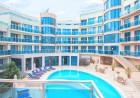 Нощувка на човек със закуска или закуска и вечеря + басейн, чадър и шезлонг на плажа от хотел Аквамарин,  Обзор - на 100 м. от плажа!, снимка 4
