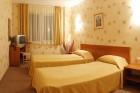 Нощувка на човек със закуска и вечеря + басейн, шезлонг и чадър от парк хотел Дряново, снимка 7