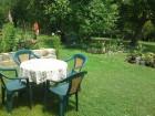 Нощувка за 11+2 човека + басейн, оборудвана кухня, барбекю и още удобства в къща Виктория край Елена - с. Вълчовци, снимка 3
