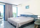 Нощувка на човек в двойна стая или студио с изглед море от хотел Айсберг, Балчик, снимка 3