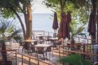 На ПЪРВА ЛИНИЯ в Златни пясъци. Нощувка на човек на база All inclusive + басейн, чадър и шезлонг на плажа в хотел Калиакра Палас****, снимка 7